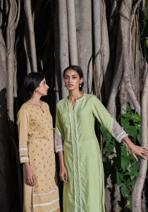 FOUR BUTTONS BANYAN TREE KURTIS MANUFACTURER